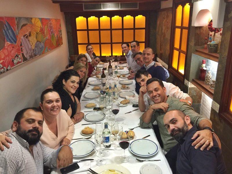 Todos los amigos de Agustín y María. ¡Gracias chic@s!