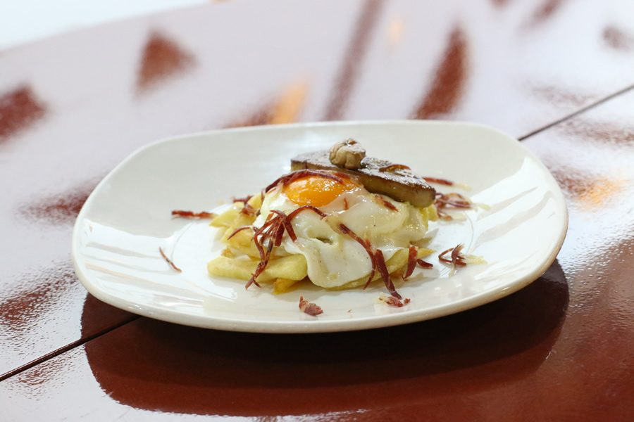 huevos-estrellados-foie